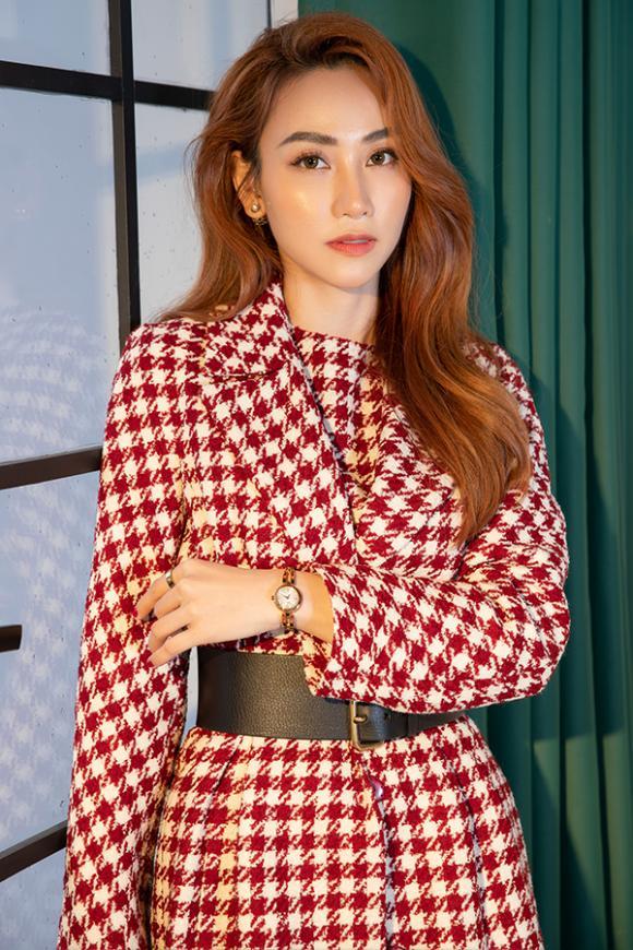 Ngân Khánh tái xuất quyến rũ mừng sinh nhật tuổi 34-10