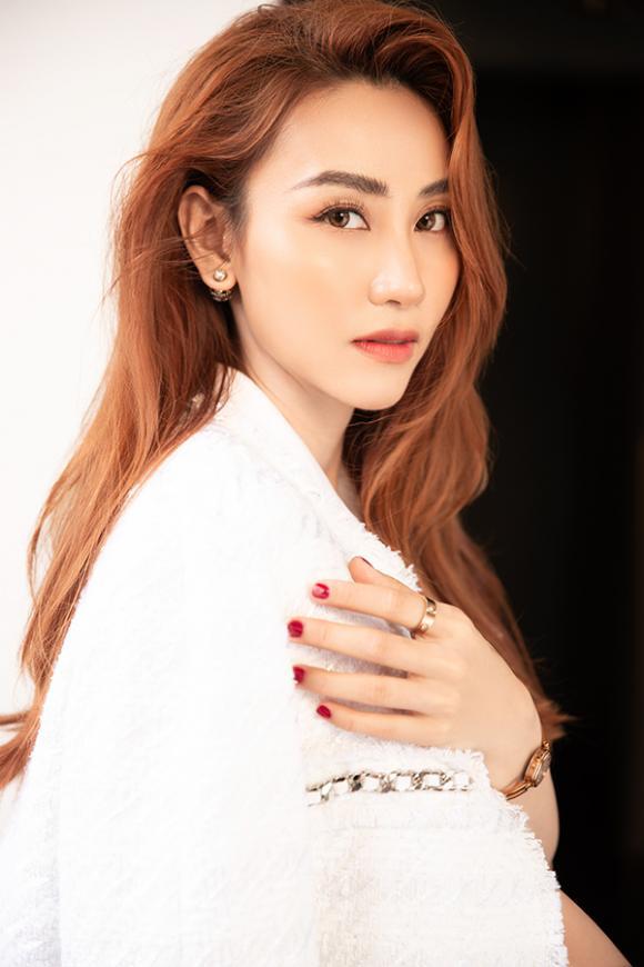 Ngân Khánh tái xuất quyến rũ mừng sinh nhật tuổi 34-5