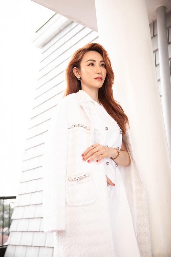 Ngân Khánh tái xuất quyến rũ mừng sinh nhật tuổi 34-6