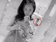 Đăng ảnh 'tự sướng' trong nhà tắm công cộng, cô gái bị cộng đồng mạng lên án vì chi tiết gây phẫn nộ này