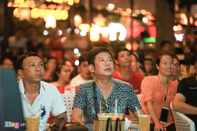 Diễn viên Lý Hùng, Tấn Beo và nhiều nghệ sĩ vỡ òa khi Duy Mạnh ghi bàn-4