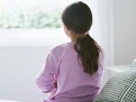 'Mẹ ơi! Thay băng vệ sinh ở trường xấu hổ lắm': Con gái học lớp 5 gặp 'sự cố', mẹ nói thế nào để trấn an tâm lý?