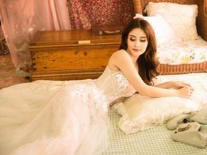 'Vợ hai của cậu Ba Khải Duy' - Thảo Trang khoe vòng một căng đầy trong bộ ảnh mới