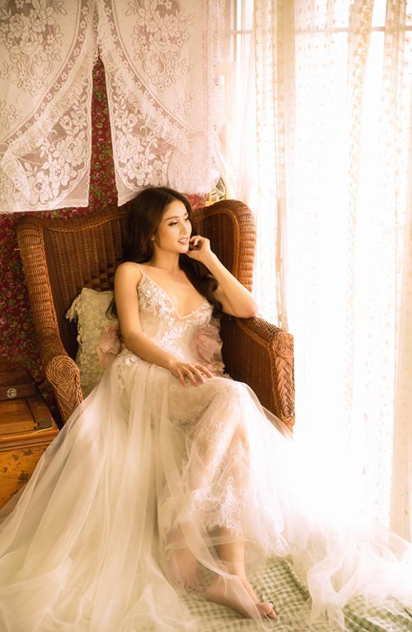 Vợ hai của cậu Ba Khải Duy - Thảo Trang khoe vòng một căng đầy trong bộ ảnh mới-2