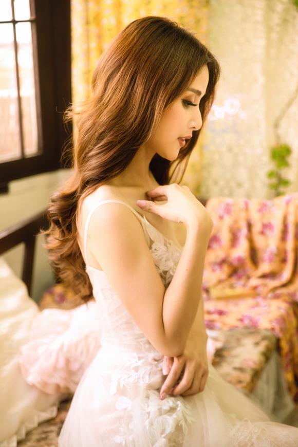 Vợ hai của cậu Ba Khải Duy - Thảo Trang khoe vòng một căng đầy trong bộ ảnh mới-10