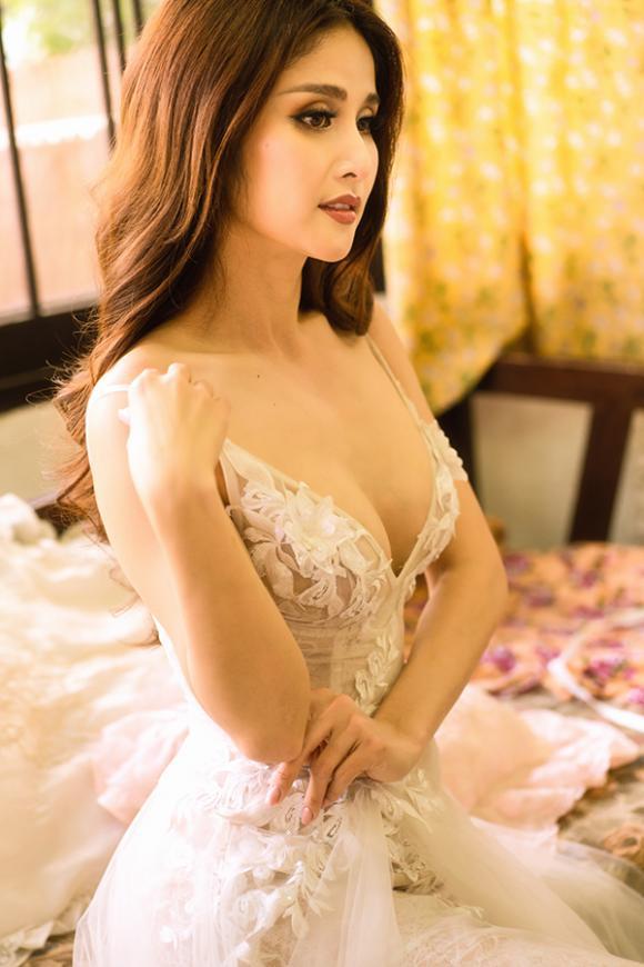 Vợ hai của cậu Ba Khải Duy - Thảo Trang khoe vòng một căng đầy trong bộ ảnh mới-8