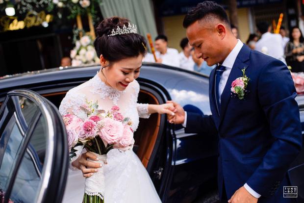 Hot nhất hôm nay là câu nịnh vợ của hậu vệ tuyển Việt Nam: Bali rất xinh đẹp nhưng không bằng vợ anh-3