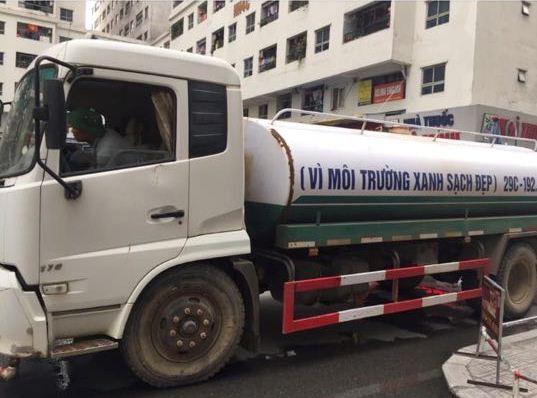 Xác định nguyên nhân nước cấp cho cư dân khu đô thị Linh Đàm có mùi tanh, màu lạ: Do bồn chứa của xe cung cấp nước không sạch-1
