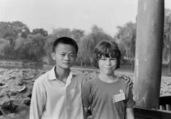 Từng được giúp đỡ 3 triệu đồng vô điều kiện, tỷ phú Jack Ma trở lại tìm ân nhân xưa và hành trình đền ơn đáp nghĩa khiến người đời nể phục-1