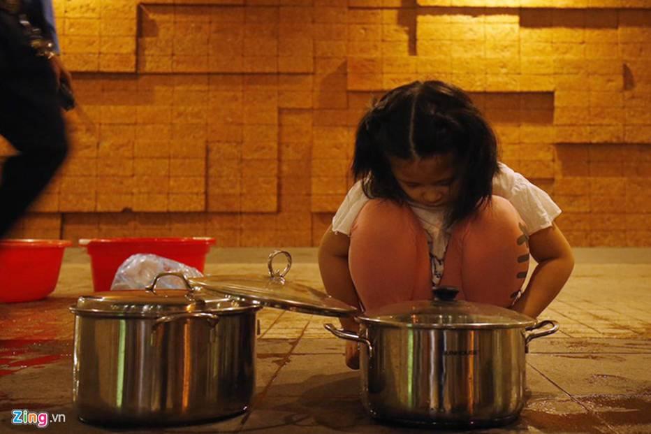 Cuộc sống người Hà Nội đảo lộn trong cơn khủng hoảng nước-22