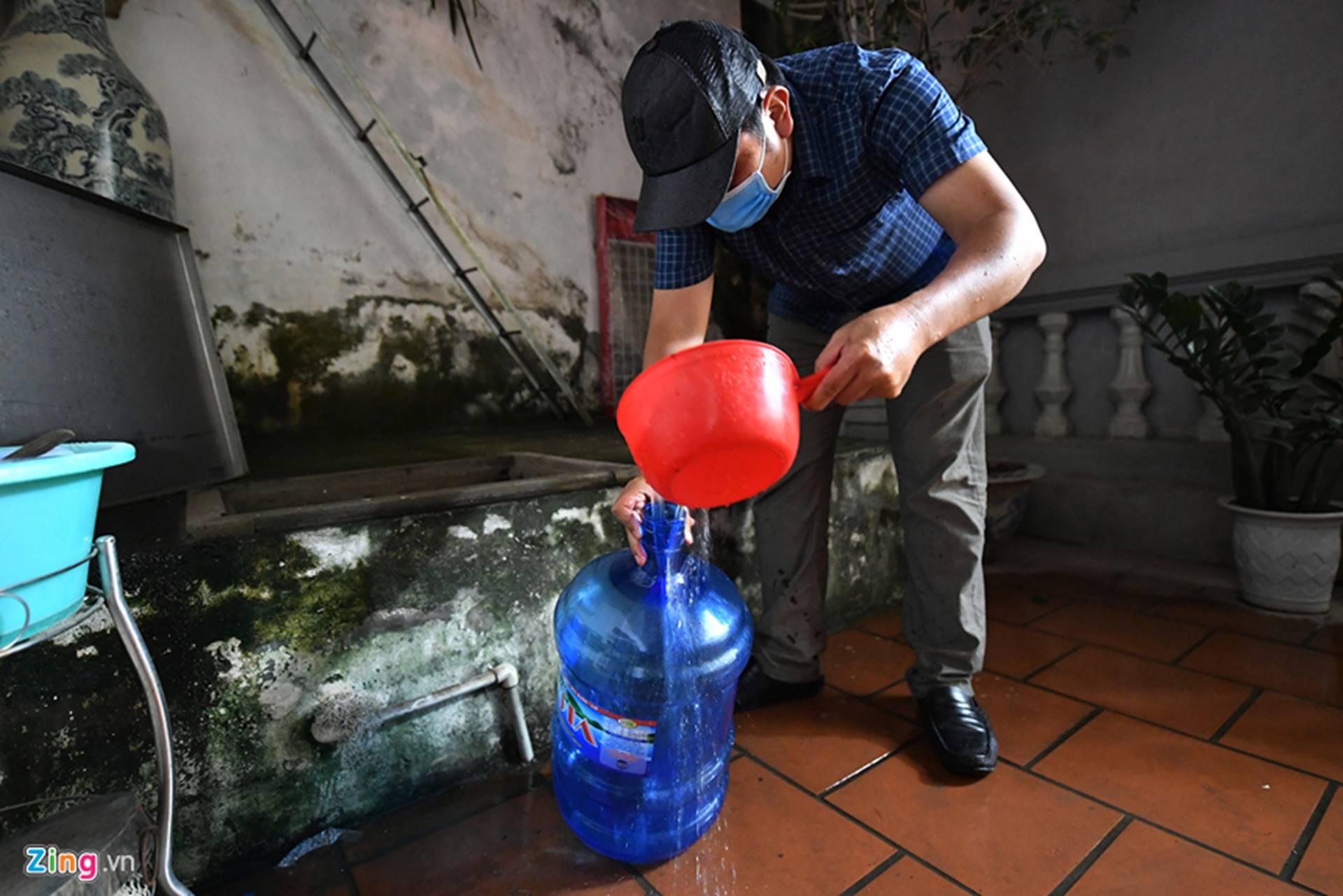 Cuộc sống người Hà Nội đảo lộn trong cơn khủng hoảng nước-24