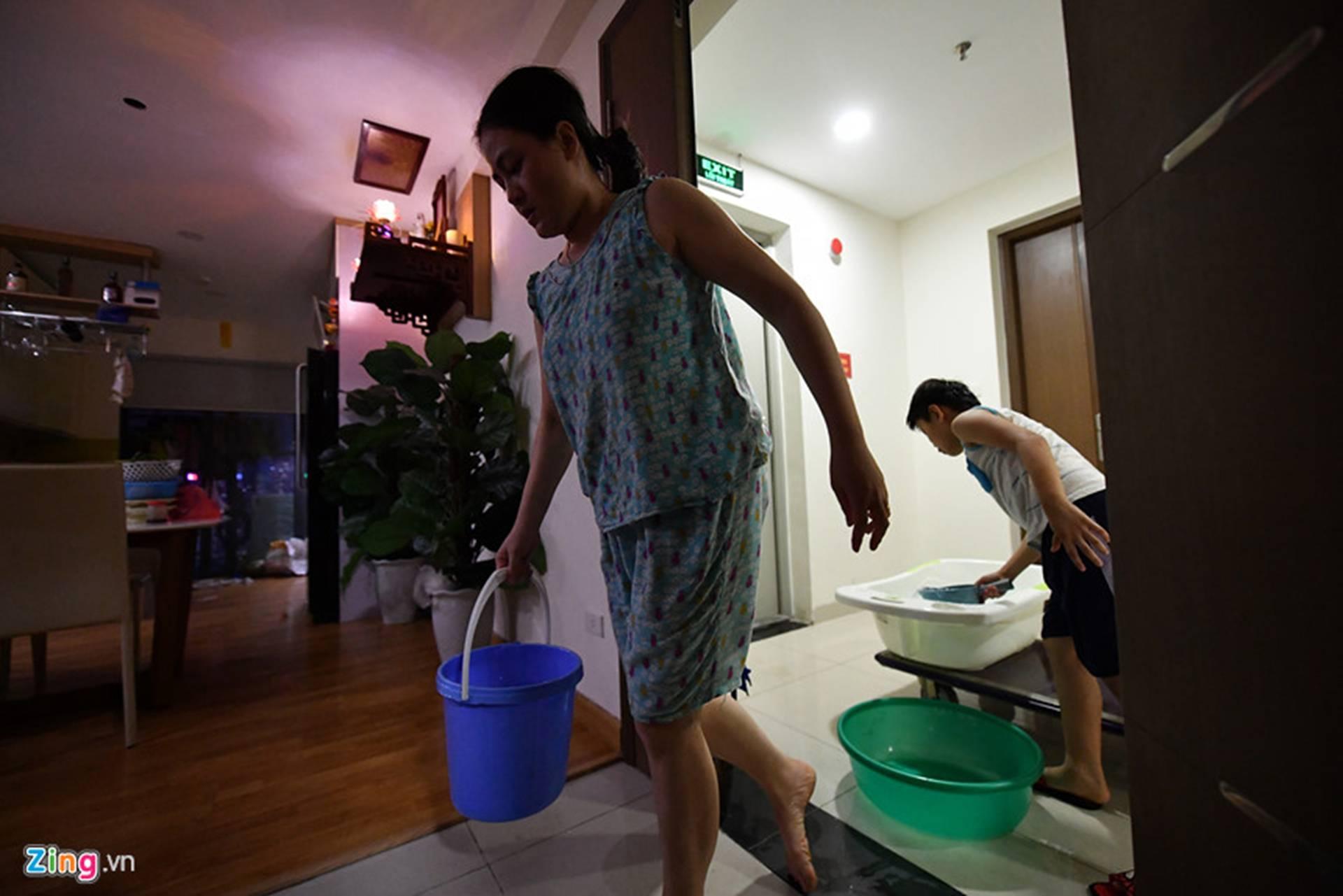 Cuộc sống người Hà Nội đảo lộn trong cơn khủng hoảng nước-30