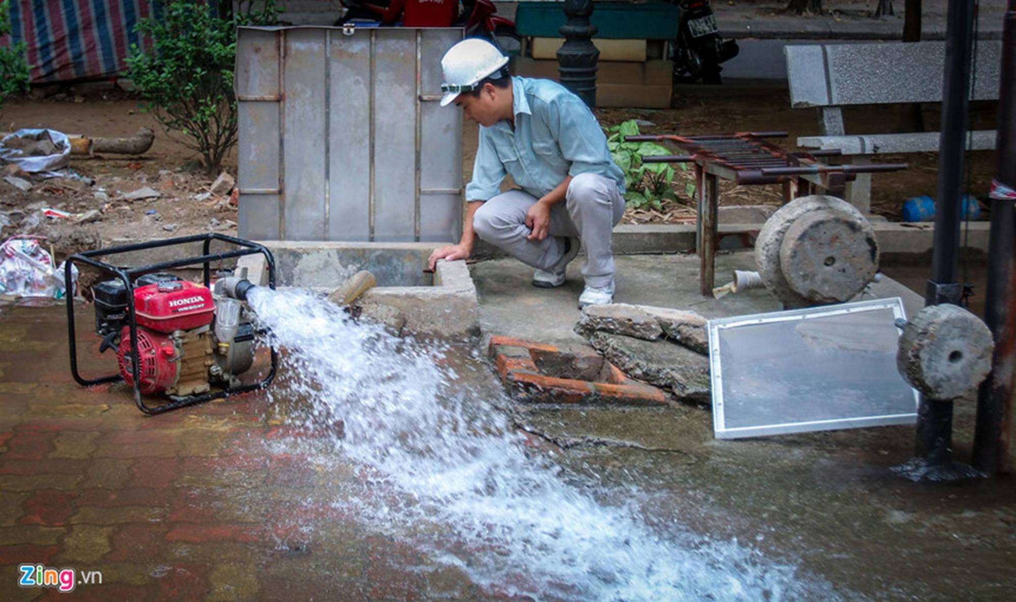 Cuộc sống người Hà Nội đảo lộn trong cơn khủng hoảng nước-36