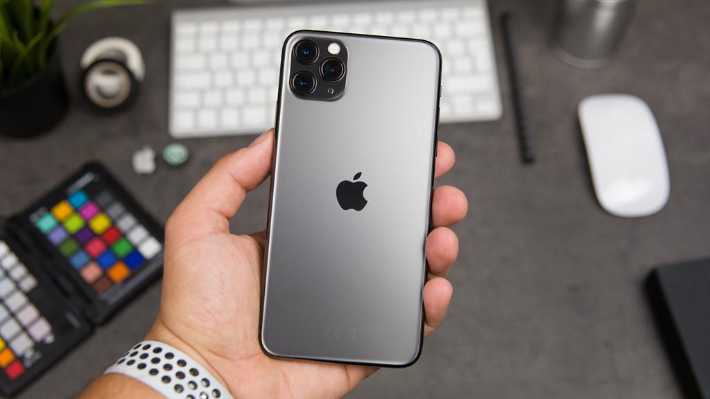 Giá iPhone 11 chạm đáy tại Việt Nam, 13 triệu đã có thể mua-1