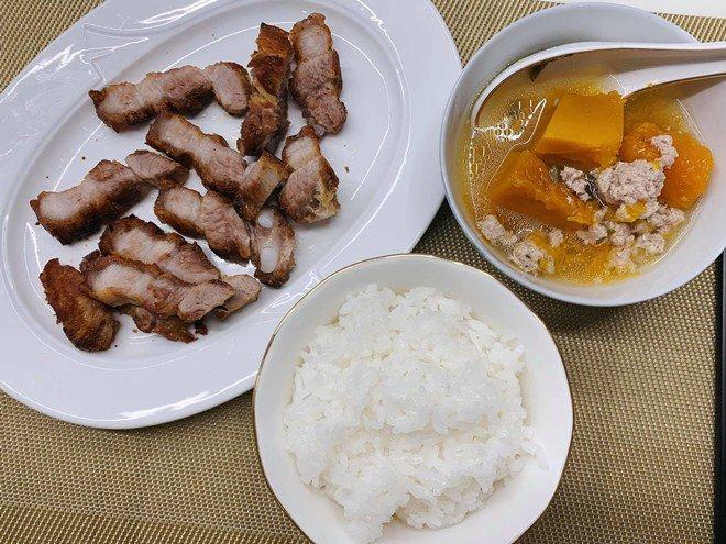 Huy Khánh mất công nấu nhưng vợ không ăn, con gái nói một câu ai nghe cũng mát ruột-9