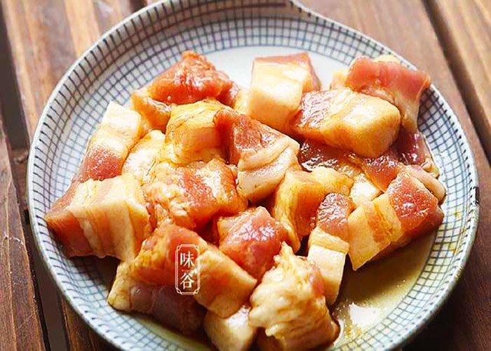Thịt lợn chua ngọt nấu kiểu này chồng chan, con múc đến giọt nước sốt cuối cùng-2