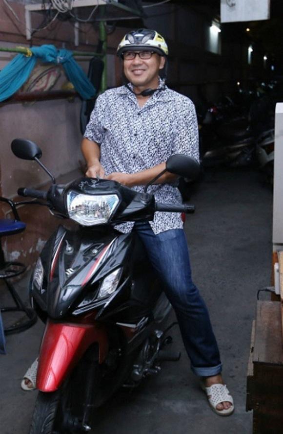 Sao Việt nhà xe tiền tỷ vẫn mặc đồ chợ, đi xe máy, ăn cơm bụi-5