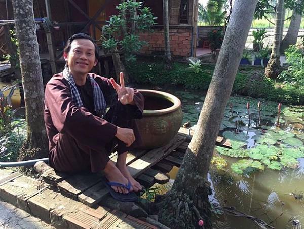 Sao Việt nhà xe tiền tỷ vẫn mặc đồ chợ, đi xe máy, ăn cơm bụi-3