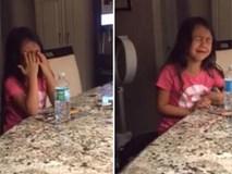 Hỏi con gái 8 tuổi lớn lên muốn làm gì, câu trả lời gây sốc cùng khuôn mặt khóc lóc nức nở của cô bé khiến mẹ cười lăn lộn