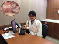 Bác sĩ hãi hùng khi thấy miệng bệnh nhân mốc trắng từng mảng, biết lý do còn choáng hơn
