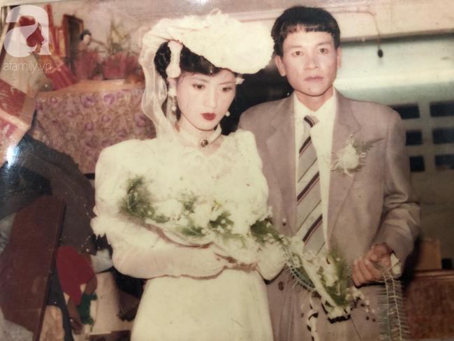 Chuyện tình bất ngờ của cô Hoa khôi Hải Dương đẹp nức tiếng và tấm ảnh cưới 29 năm trước cũng chứa đựng cả câu chuyện dài-2
