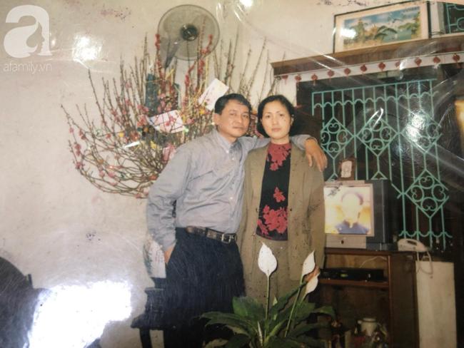 Chuyện tình bất ngờ của cô Hoa khôi Hải Dương đẹp nức tiếng và tấm ảnh cưới 29 năm trước cũng chứa đựng cả câu chuyện dài-4