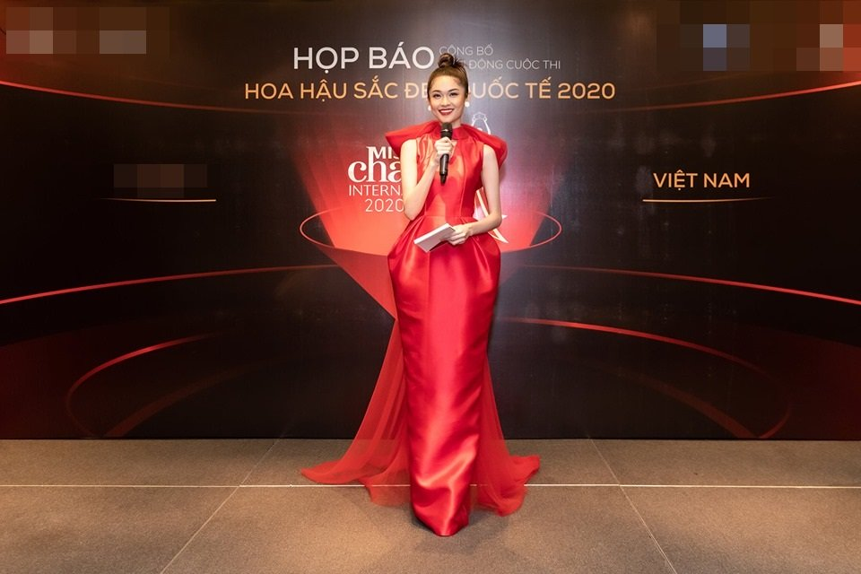 Đụng hàng 1 thiết kế: Angela Phương Trinh gây khó hiểu khi đeo liền 2 chiếc đồng hồ - Tường San, Thùy Dung biến hóa xuất sắc-2