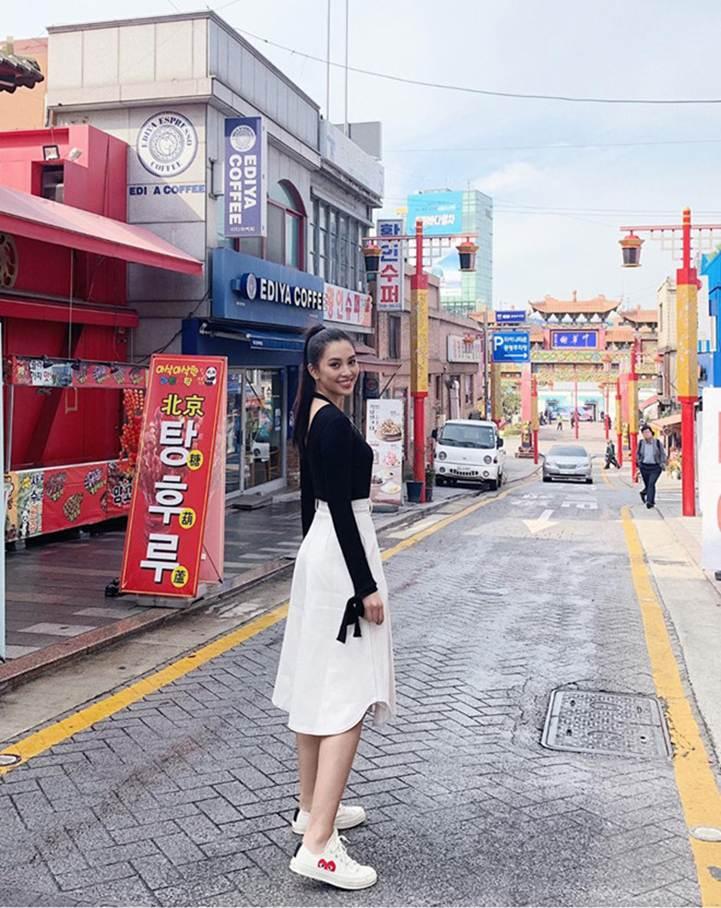 Ảnh khoe nhan sắc đời thường của Hoa hậu Tiểu Vy-3