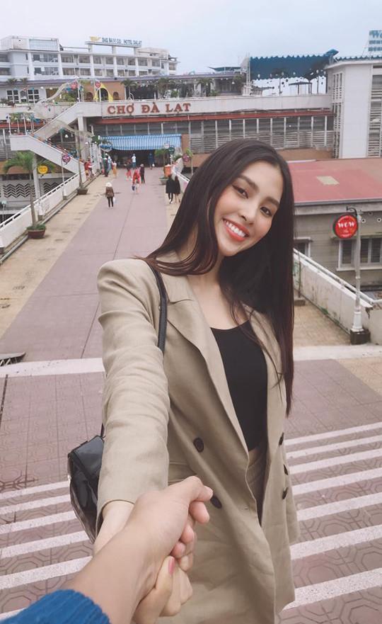 Ảnh khoe nhan sắc đời thường của Hoa hậu Tiểu Vy-7