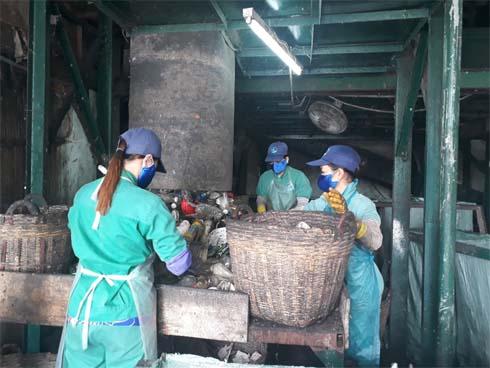 Phát hiện xác thai nhi gần 2kg lẫn vào nhà máy rác TP. Cà Mau-1