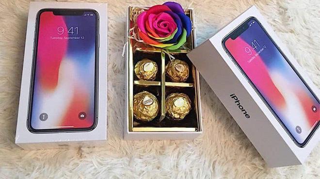 Sự thật gây sốc bên trong hộp quà iPhone giá 200.000 đồng-1