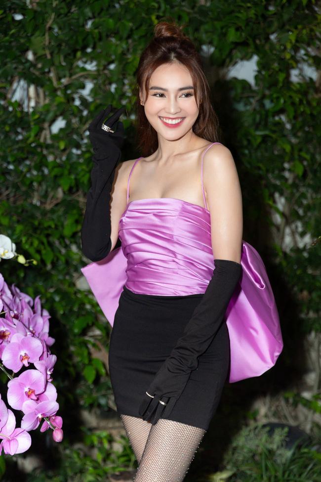 Từng bị chê quê mùa, nay đồ tím giống Jennie (Black Pink) được sao Việt thi nhau diện-5