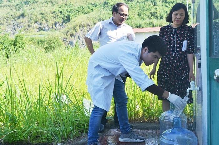 Cập nhật: Mẫu nước mới nhất tại các hộ dân và nhà máy nước Sông Đà đều đạt quy chuẩn về styren-1