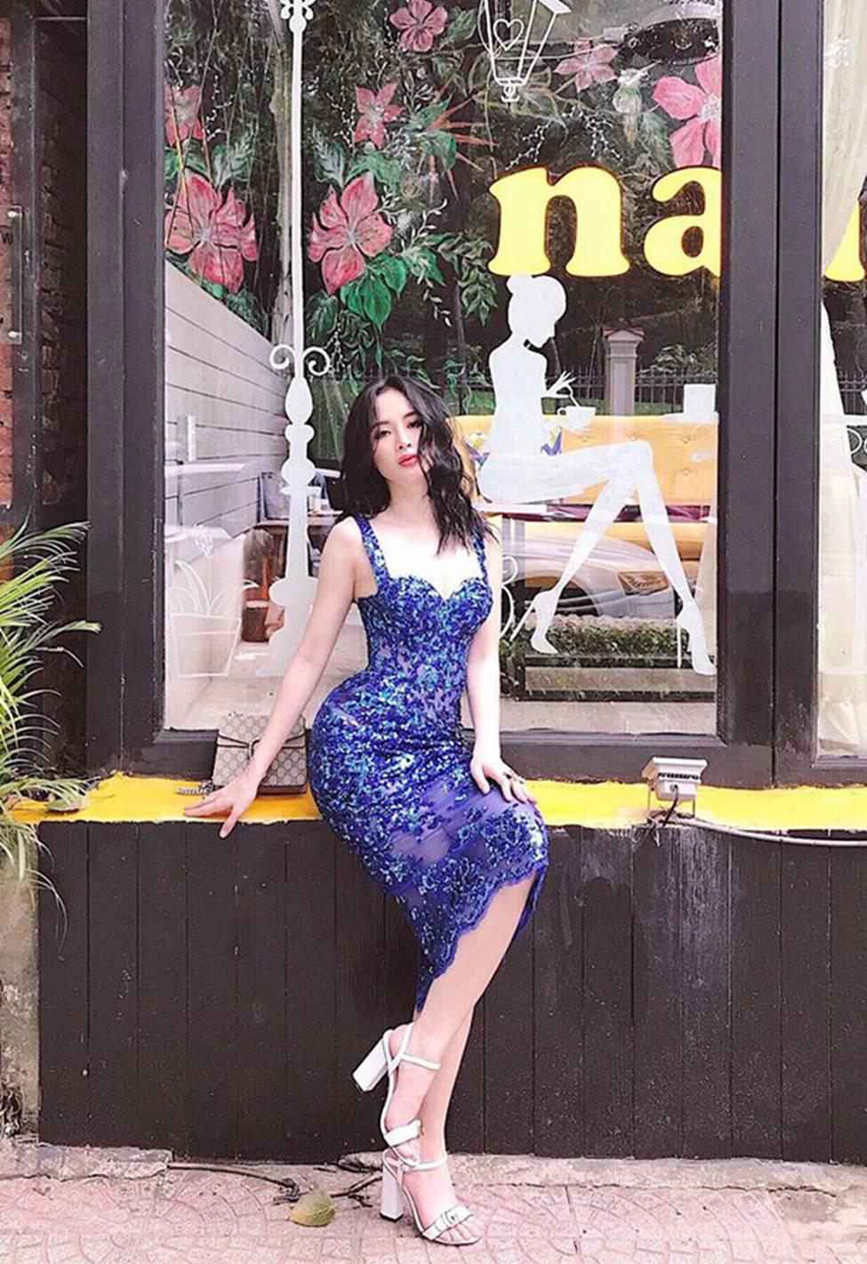 Loạt mỹ nữ showbiz Việt mặc gì phô đường cong thần thánh?-3