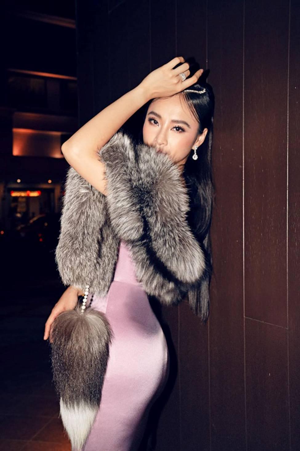 Loạt mỹ nữ showbiz Việt mặc gì phô đường cong thần thánh?-4