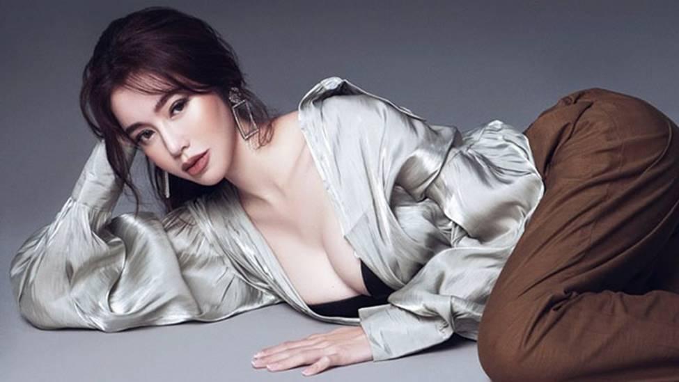 Loạt mỹ nữ showbiz Việt mặc gì phô đường cong thần thánh?-16