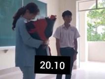Ôm bó hoa lên tặng cô giáo 20-10 kèm câu chúc: Chúc cô sống lâu để dạy dỗ tụi em, phản ứng của cô giáo khiến nhiều người bất ngờ
