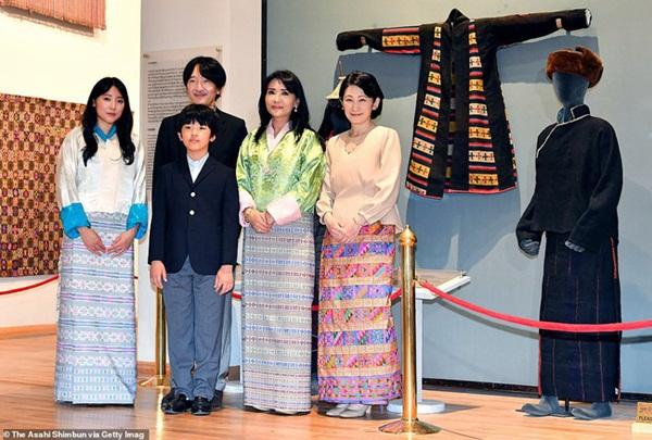 Áp lực khủng khiếp của Hoàng tử Nhật Bản 13 tuổi gánh trên vai tương lai hoàng gia lâu đời nhất thế giới-2