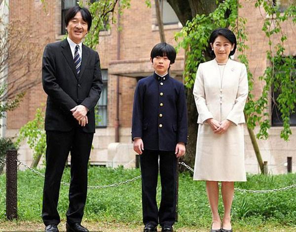 Áp lực khủng khiếp của Hoàng tử Nhật Bản 13 tuổi gánh trên vai tương lai hoàng gia lâu đời nhất thế giới-3