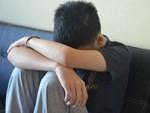 Mẹ kiên quyết đòi ly hôn vì bố có những hành động quá thân mật với… con gái 12 tuổi-4