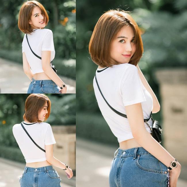 Khoe quần jeans trước sau như một, tưởng không ai dám mặc hóa ra Ngọc Trinh lại đụng hàng với cô em chân siêu dài nhà Kim-2