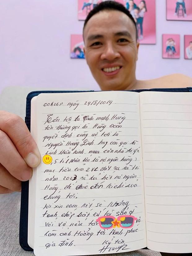 MC Hoàng Linh nhắc nhẹ kỷ niệm 2 năm trước được chồng gọi ra ngoài tặng hoa giữa đêm khuya, dân tình dự đoán quà năm nay chắc phải khủng lắm-2