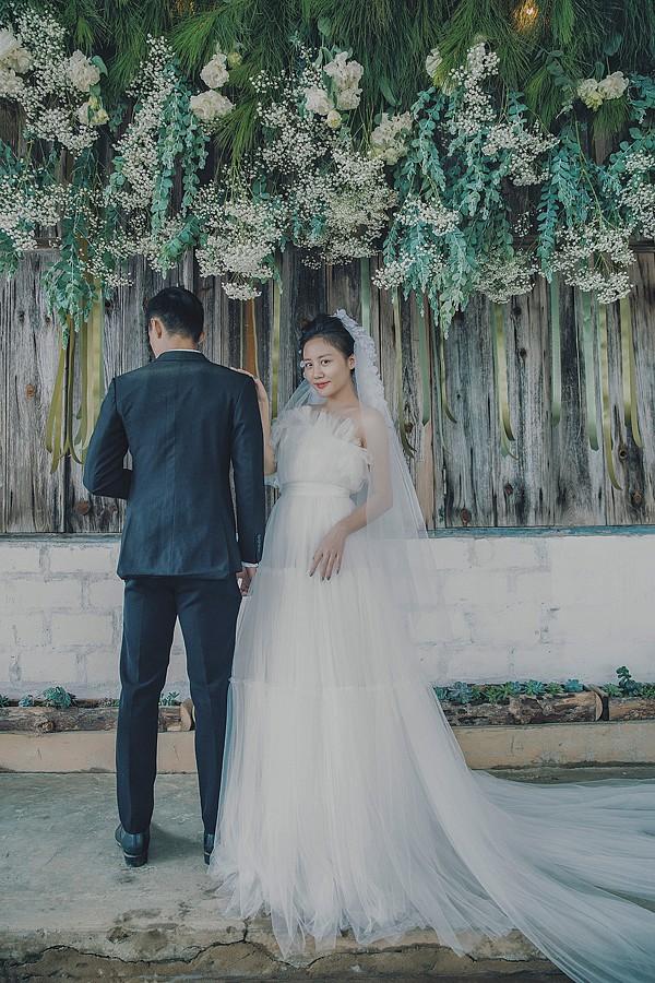 Văn Mai Hương tung ảnh cưới sau khi xác nhận sẽ lên xe hoa vào tháng 11-2