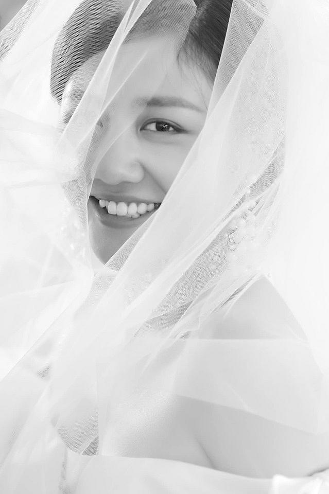 Văn Mai Hương tung ảnh cưới sau khi xác nhận sẽ lên xe hoa vào tháng 11-1