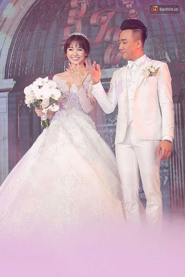 Loạt quy định trong đám cưới sao Vbiz: Đông Nhi quy định gắt gao về khách vào tiệc, Cường Đô La làm dấy lên tranh cãi-8