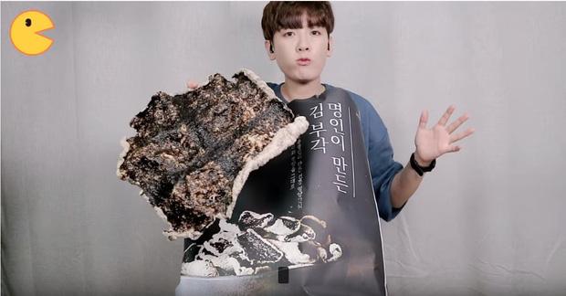 Đối thủ của bà Tân Vlog đã xuất hiện: Youtuber người Hàn tự tay làm những món ăn siêu to khổng lồ khiến dân tình choáng váng-10