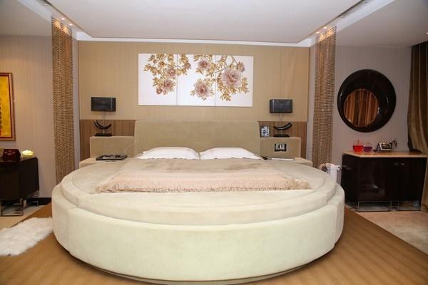 Phòng ngủ của Đàm Vĩnh Hưng, Hồng Nhung xa hoa lộng lẫy, riêng Hoài Linh cực khác biệt-2