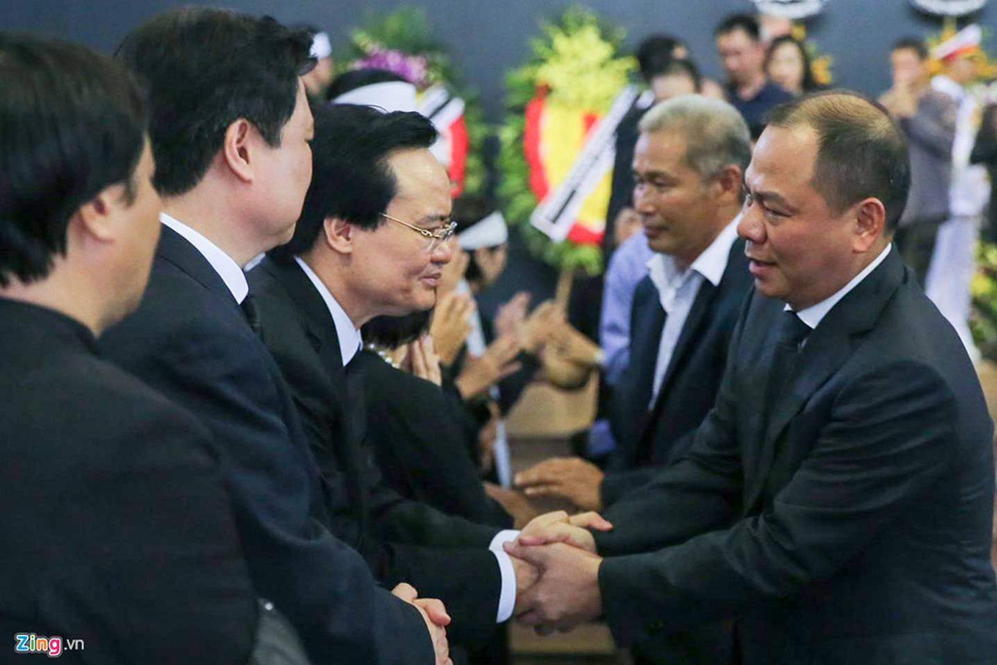 Dòng người tiễn biệt Thứ trưởng GD&ĐT Lê Hải An-14