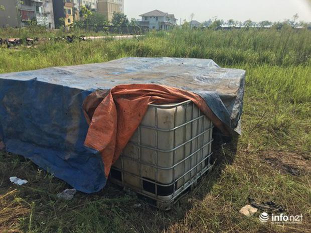 Vụ đổ dầu thải tại Nhà máy nước sông Đà: Hé lộ một chiếc ôtô con dẫn đường cho xe tải-6
