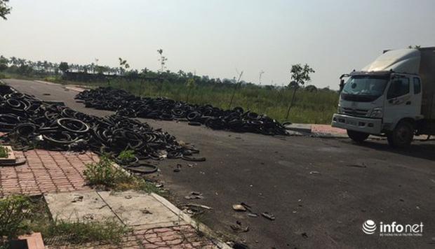 Vụ đổ dầu thải tại Nhà máy nước sông Đà: Hé lộ một chiếc ôtô con dẫn đường cho xe tải-7